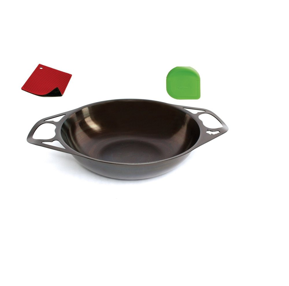 Wok w pot holder and pan scraper.jpg