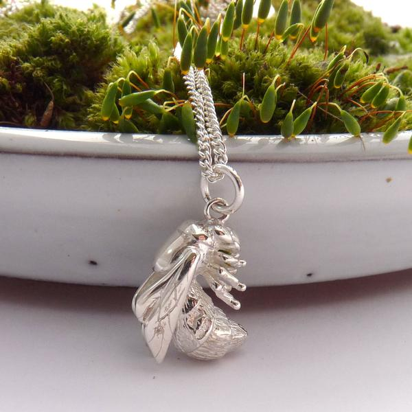 3Sterling-Silver-Bee-Necklace_grande.jpg