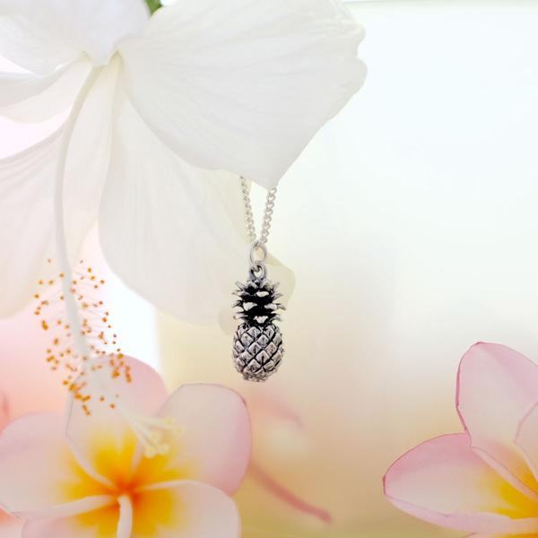 1Oxidised-Silver-pineapple-necklace_grande.jpg