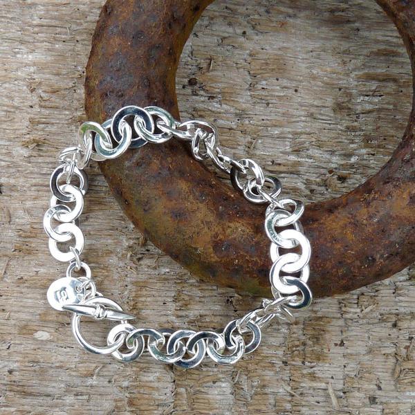 Rings-on-Rings-Bracelet-lifestyle-shot_grande.jpeg