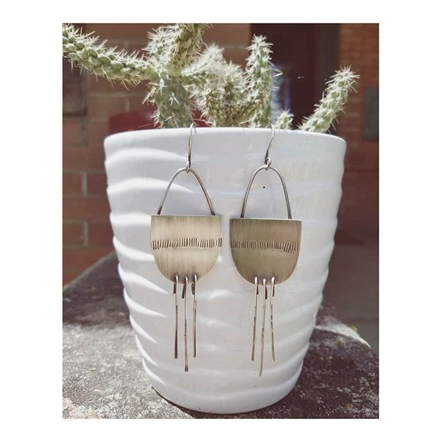 sterling silver fringe! will have a couple pairs of these lovelies at the @horseshoemarket tomorrow. . . . . . #asharpdesign #handmadejewelry #sterlingsilver #fringe #handmade #denverart #denverartist #jewelry #earrings #danglyearrings #silverjewelry #silversmith #ladysmith #instasmithy #luckyfinds #horseshoemarket #makersmovement #instajewelry