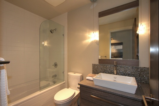 3rd%20bathroom[1].jpg