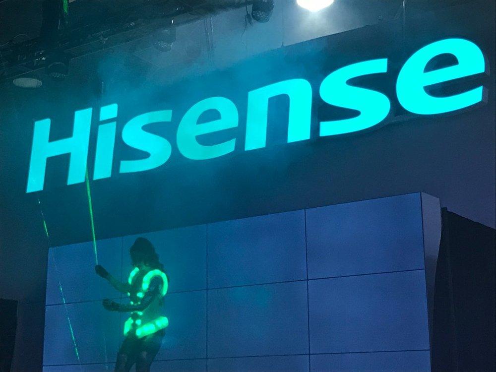 18-jrhutchjr-hisense-exhibit-design-LaserGirl-05
