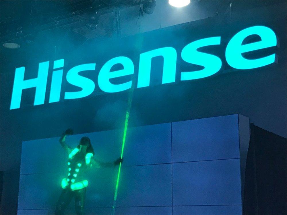 18-jrhutchjr-hisense-exhibit-design-LaserGirl-12