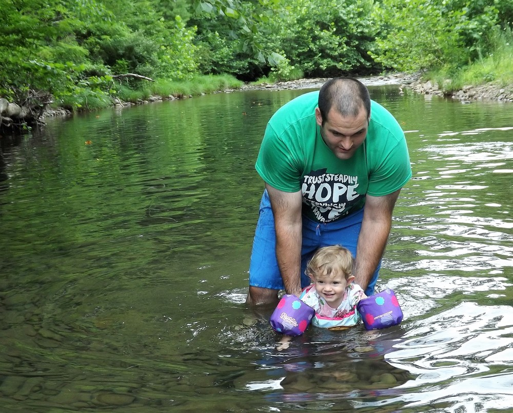 We visited our favorite state: Virginia and swam in creeks with cousins, aunts, and uncles!