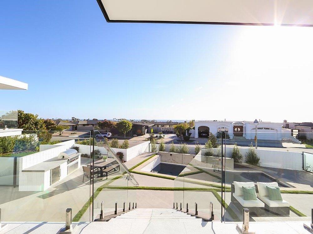 NEWPORT BEACH CONTEMPORARY GARDEN DESIGN