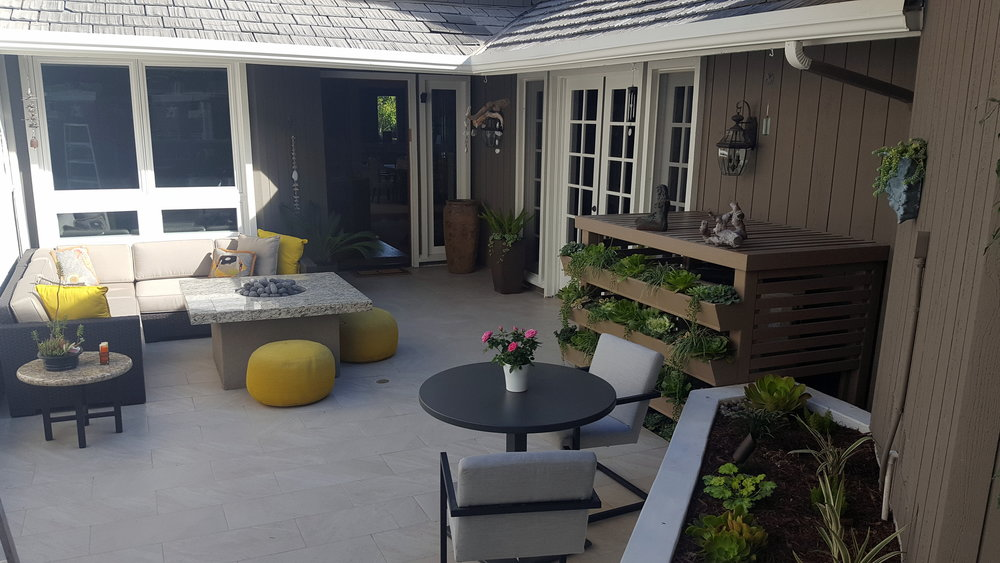 NEWPORT BEACH COURTYARD DESIGN