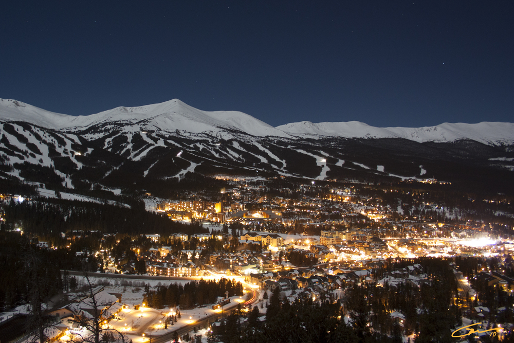The picturesque town of Breckenridge– Enjoy Summit county and the many ski resorts roughly 2 hours away.