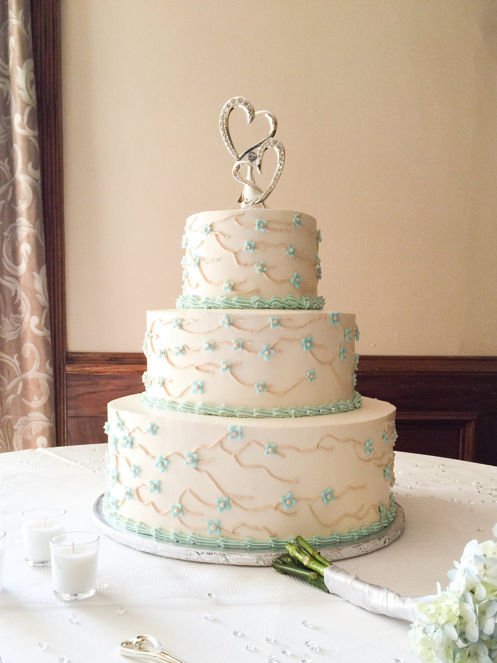 wedding-cakes-ventura-ca-marie-shannon-confections-specialty-pastries-2.jpg