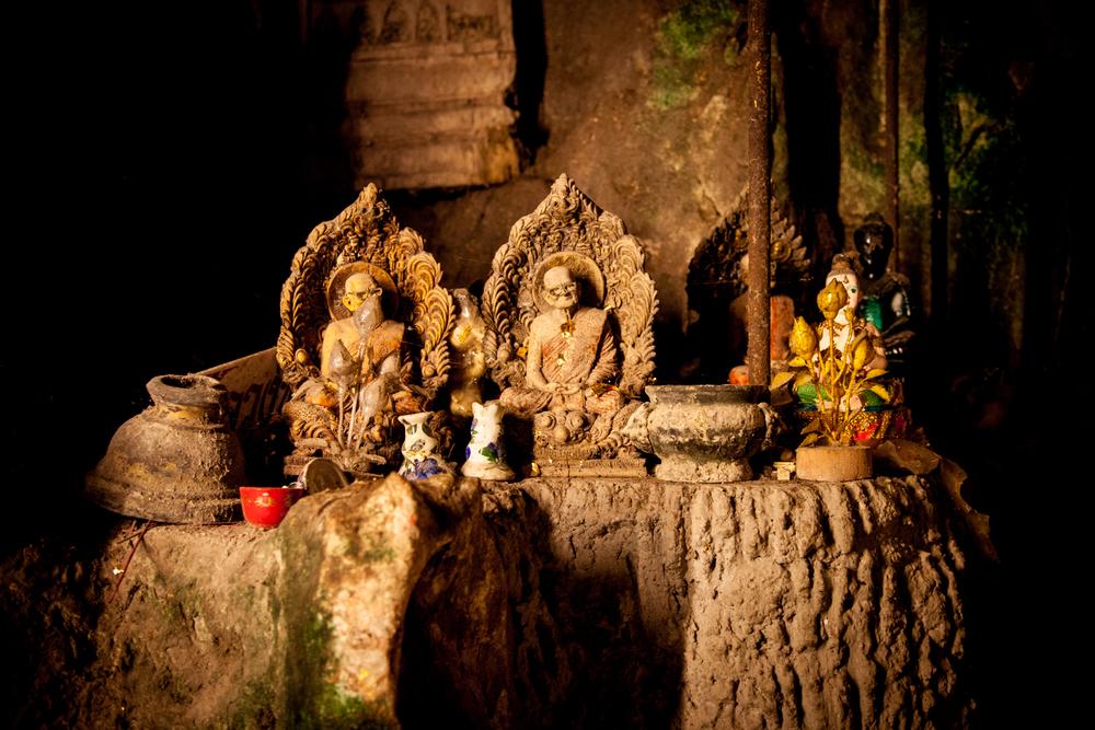 buddah cave offering table-1.jpg
