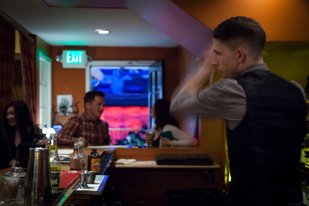 bartender-1.jpg