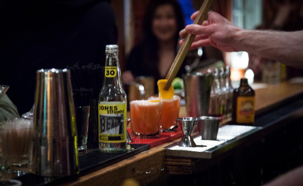 bartender cu-1.jpg