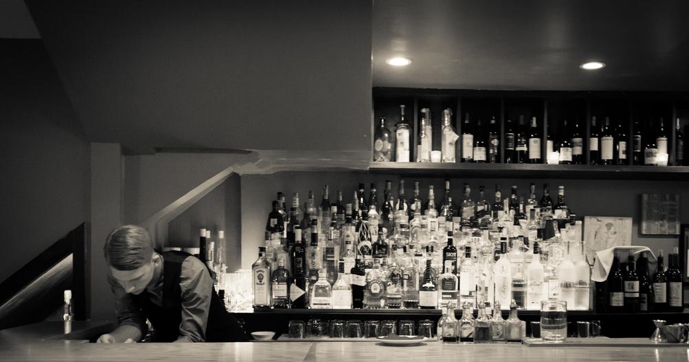 bw bartender2-1.jpg
