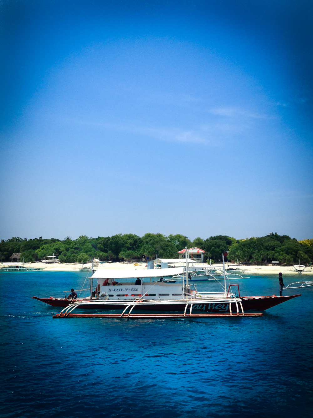 apo island boat.jpg