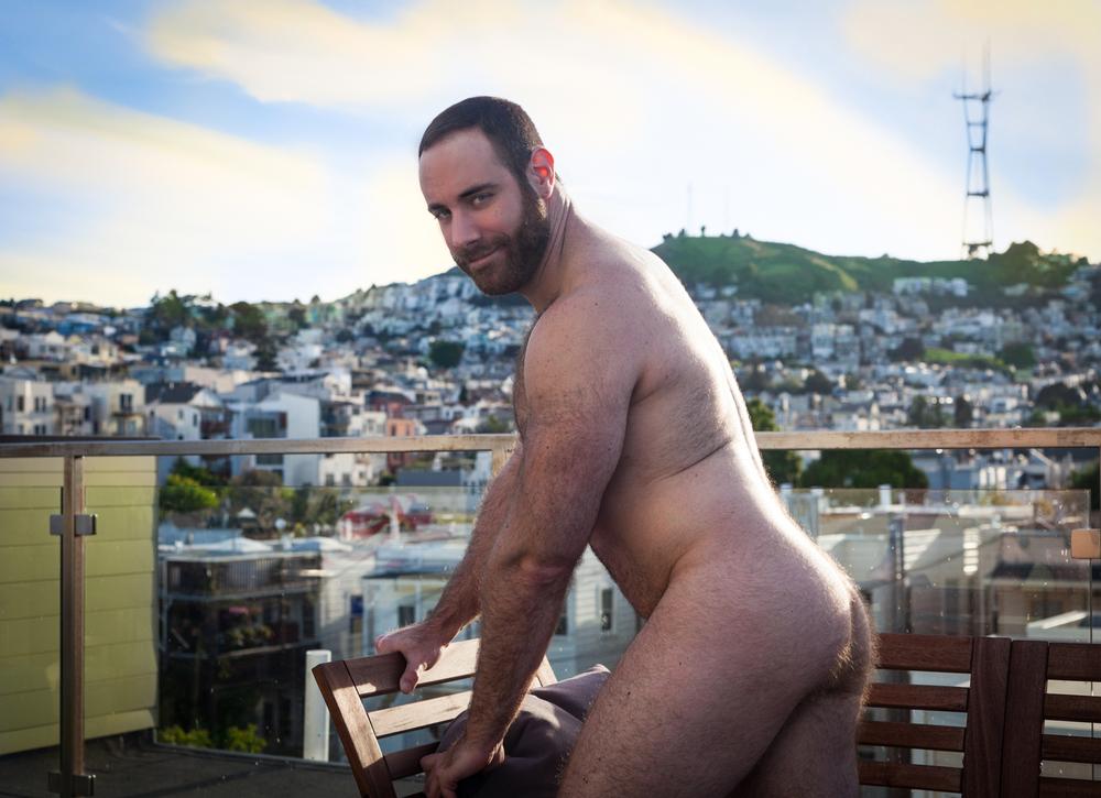 erez naked bench-1.jpg