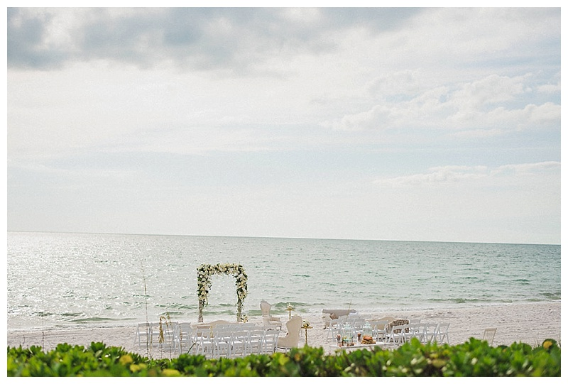 glam-destination-beach-wedding-Trenholm-Photography-Elleson-Events_0424.jpg