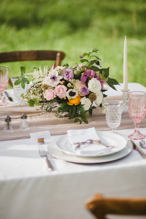 Nikki-Mayday-Photography-Elleson-Events-Table-In-The-Woods_0878.jpg