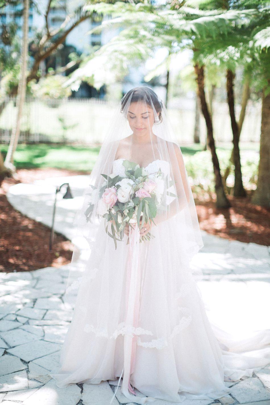 Cocktail-Reception-Wedding-Garden-Inspired-Hunter-Ryan-Photo-Elleson-Events_0522.jpg