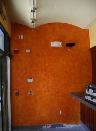 Front wall after faux painting