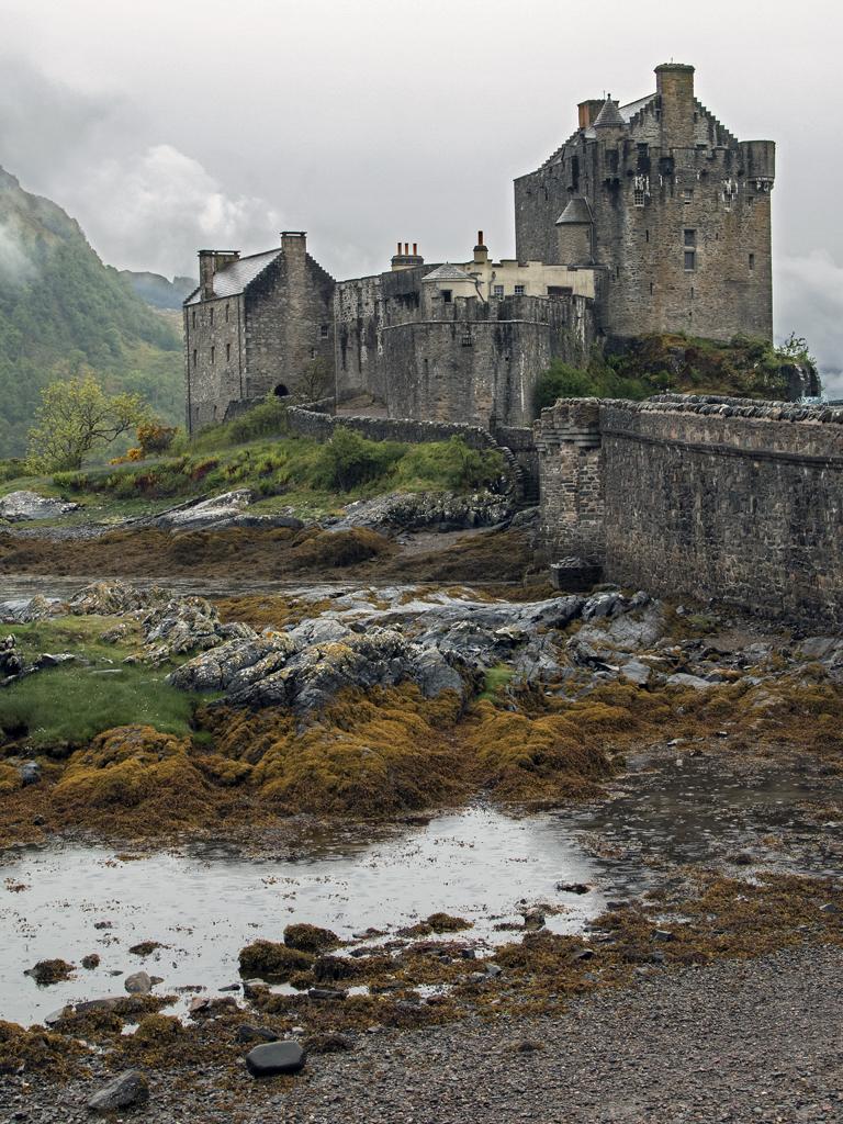 Eilean Donan Castle , Kyle of Lochalsh, Scotland