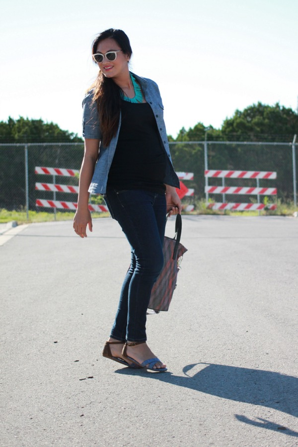 TOP:  United By Blue  (USA / give back) / NECKLACE:  Moorea Seal  (handmade in USA) / BAG:  Purse & Clutch  (fair trade) / JEANS: Paige (USA) / SANDALS:  TOMS  (give back)
