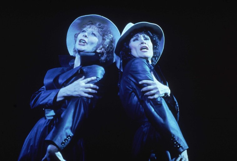 Gwen Verdon and Chita in  Chicago .