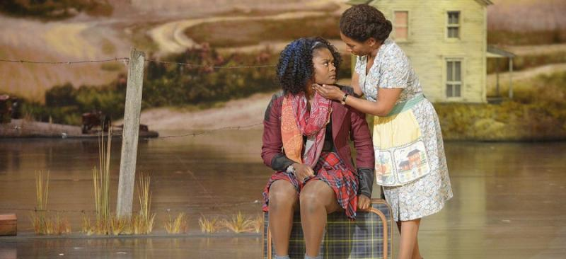 Shanice Williams and Stephanie Mills in  The Wiz Live .