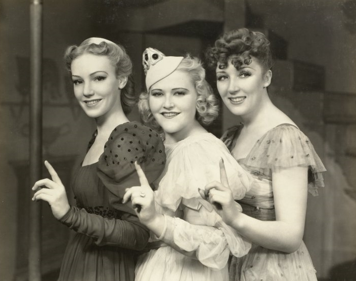 Marcy Wescott, Wynn Murray and Muriel Angelus in  The Boys From Syracuse