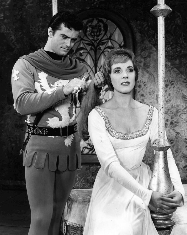 Robert_Goulet_Julie_Andrews_Camelot.JPG