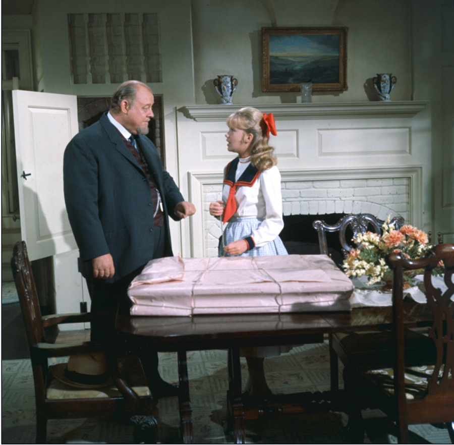 Burl Ives and Hayley Mills in Summer Magic