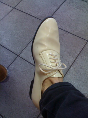Bone patent leather jazz oxfords. Found these smarties at the once-a-year vintage market on W 10th.
