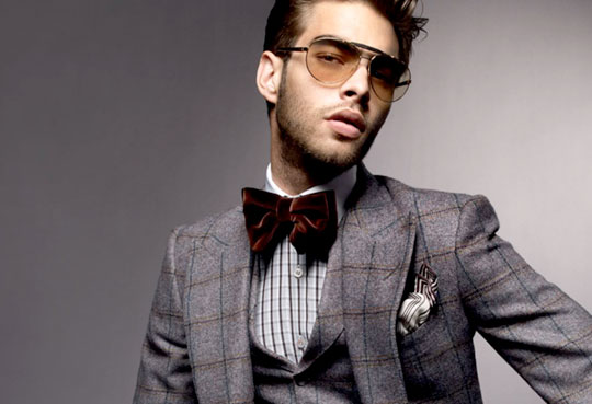Larger-than-life velour bow tie, perfect for inflated egos.  Tom Ford  Spring/Summer 2009 Collection. ( Selectism )