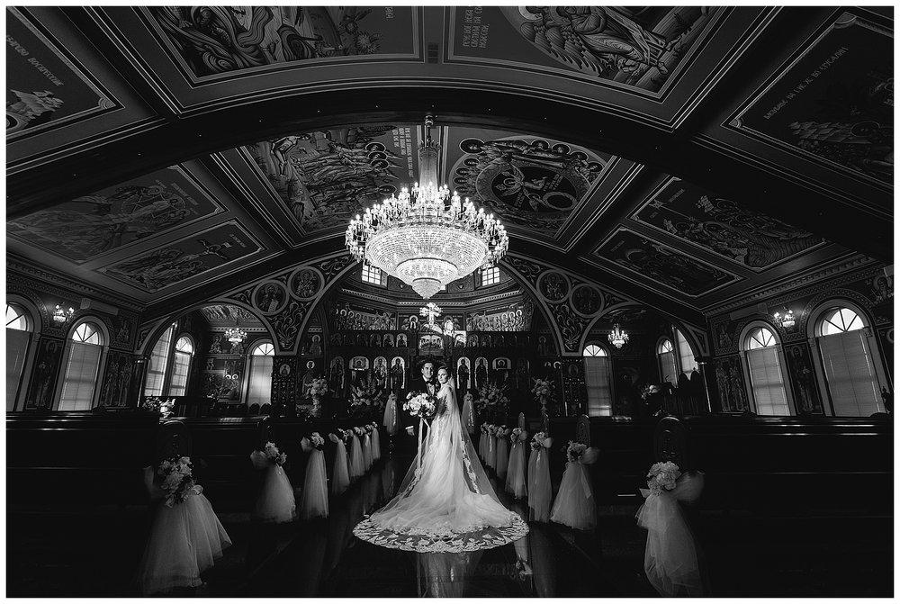 chandeliar in wedding