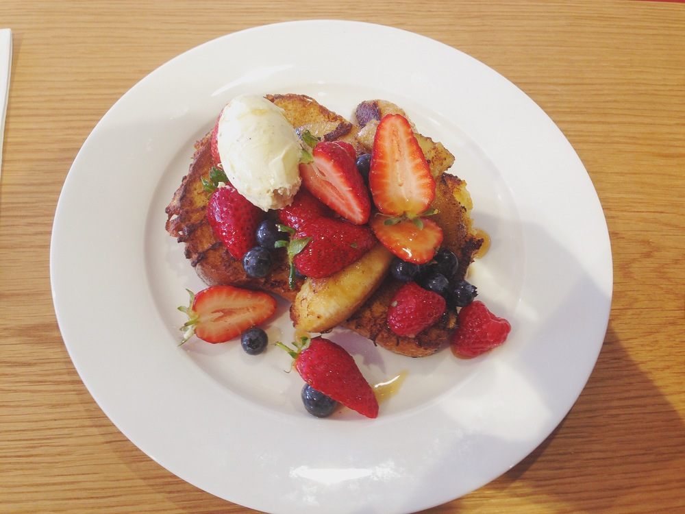 Brioche French Toast with Caramelised Banana, Mascarpone & Berries
