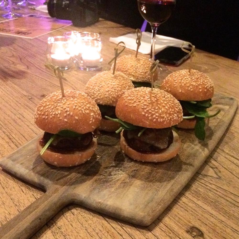 Main 3: Buffalo Burger