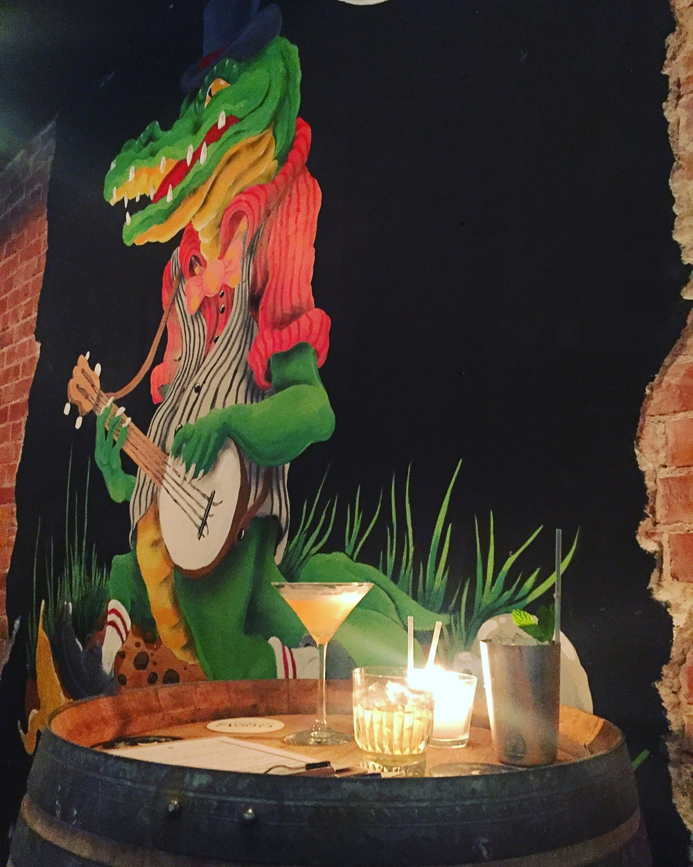 Alligator playing the Banjo, the pinnacle of Southern America.