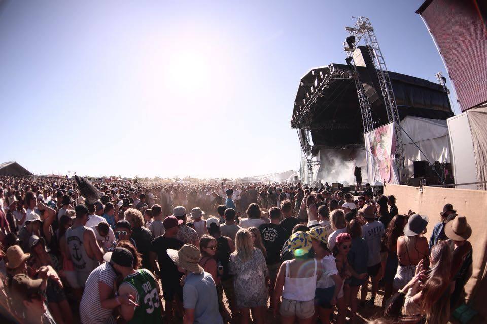 Falls Festival Mt Duneed 2015