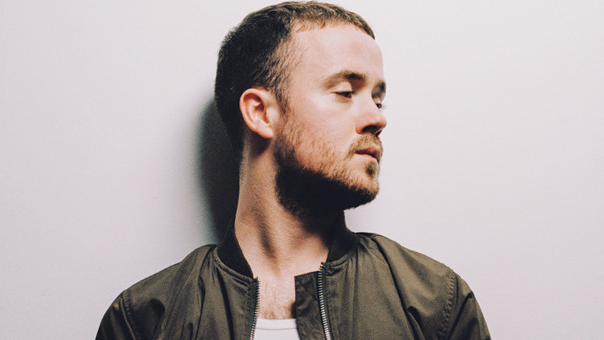 English-Irish Maverick Sabre is supporting the Hilltop Hoods on their national tour. Image via Maverick Sabre