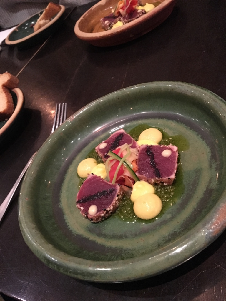 Bistro Dom tuna