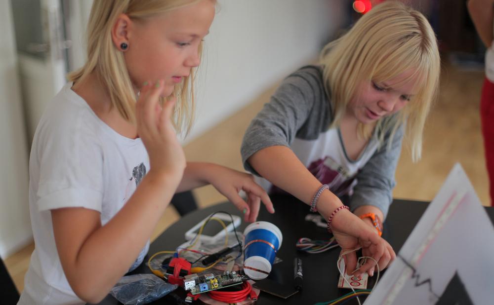 kids-hack-day2.jpg