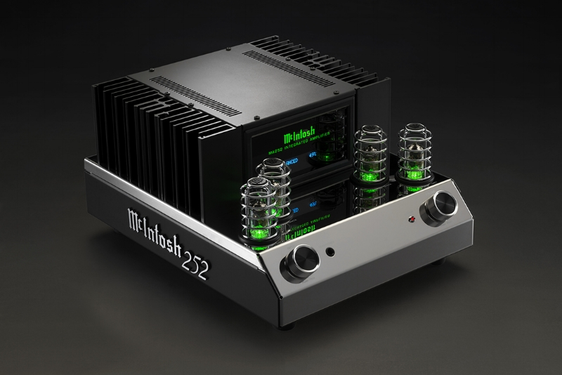 MA252 amplifier - McIntosh launches its first ever hybrid tech integrated amplifier