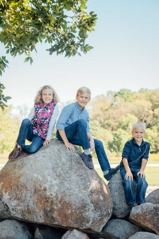 Nace Extended Family 17-6573.jpg