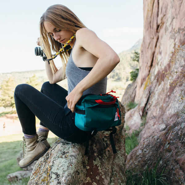 topo_designs_light_hip_pack_grande.jpg