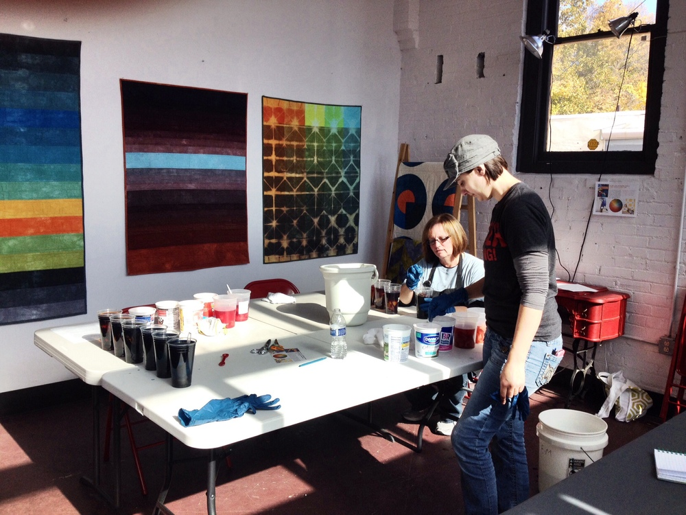 A beginning fabric dyeing workshop.