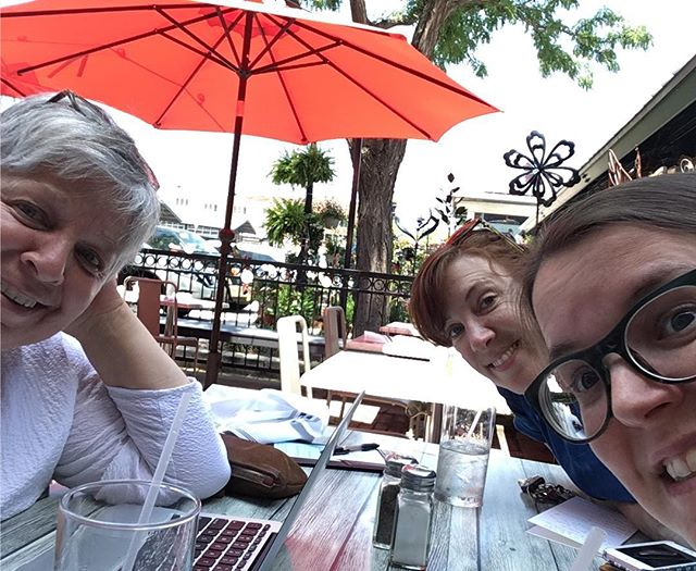Lunch meeting of the minds, KC summer treating us right today! #studiofriends @jaimehock @jacquietps @kimemquilts #goals