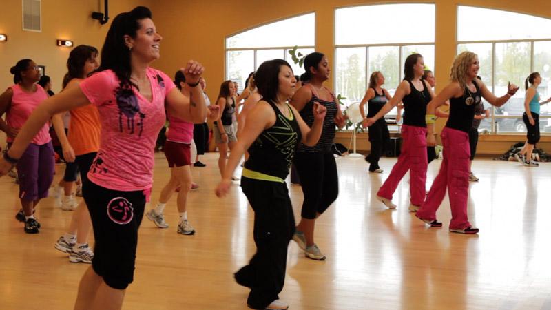 zumba-classes-with-phoebe-flanagan-at-40-below-fitness-fairbanks-alaska-07.jpg