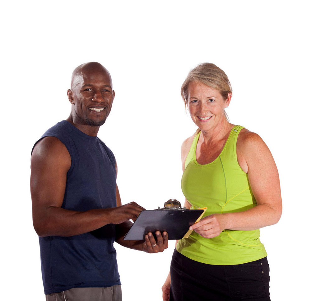 michael-flanagan-personal-trainer-fairbanks-alaska-with-female-client-clipboard-detail-web.jpg