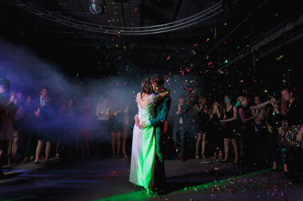 huwelijksfotograaf-iso800-openingsdans-Verbeke-niet-traditioneel