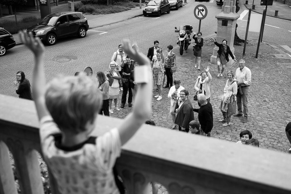 De huwelijksfotografen van iso800 waren getuigen van het lang verwachte huwelijk van Lise en Elias. De hoogopgelopen verwachtingen werden vlotjes ingewilligd. Het heerlijk, vrolijke no-nonsens karakter van bruid en bruidegom en hun aandacht voor details scheen door in elk aspect van de dag. Van Tielen trokken we naar Wortel en de Bonte Beestenboel.