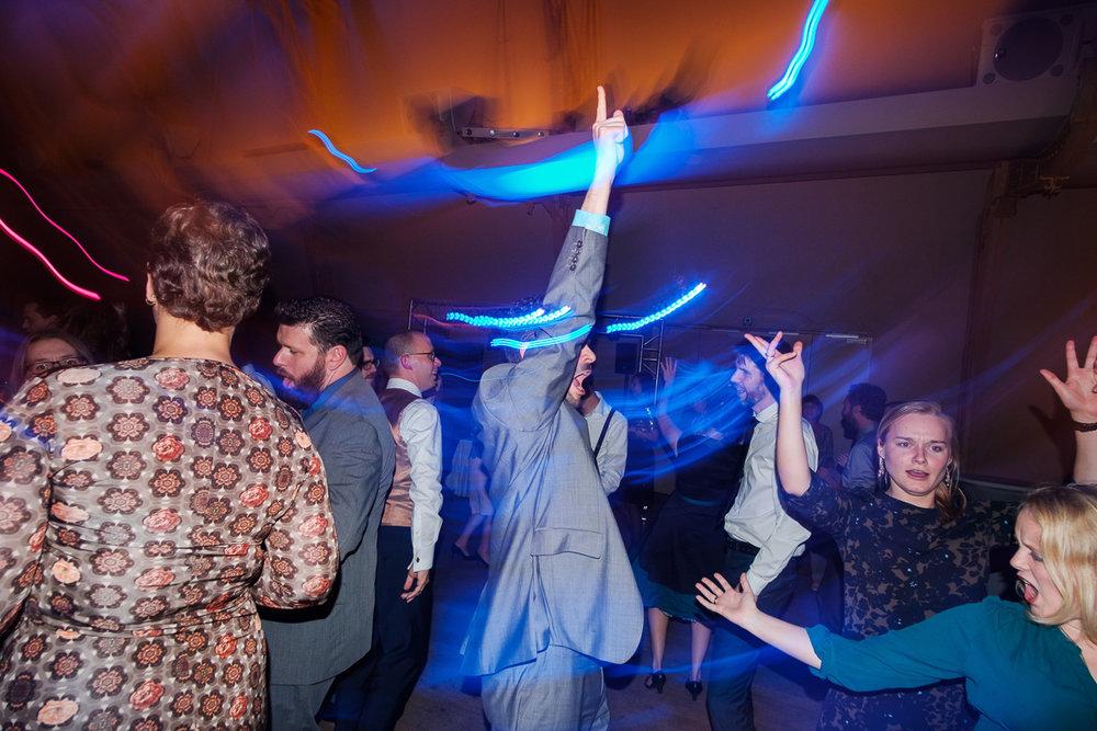 iso800-trouwfotograaf-antwerpen-horta-dansen